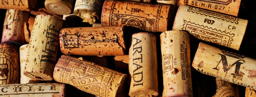 wine-stoppers-wallpapers_28152_1920x1200